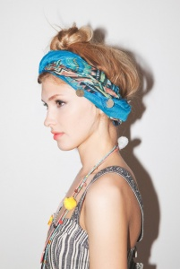Street-Style-looks-Scarves-bandana