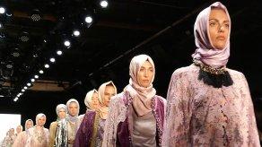 new-york-moda-haftasi-nda-ilk-kez-tesettur-8775002_x_3890_300